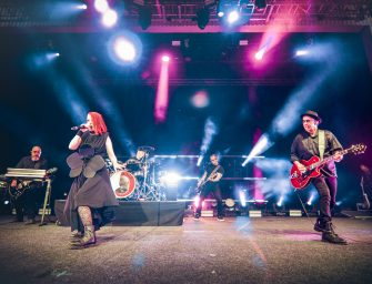 Garbage in Bucharest at Arenele Romane: a musical journey back in time